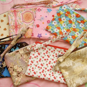 Another Batch o' Zippered Pouches